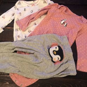 Lot of 3 18months outfits carters